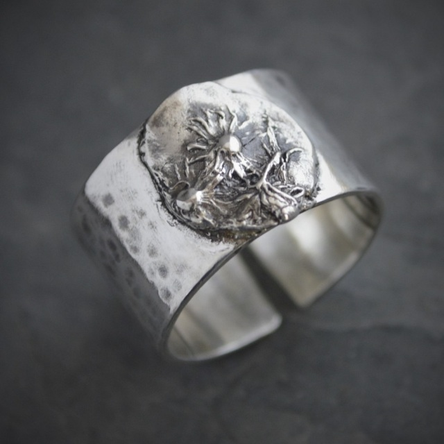 Midwinter Aster Ring in Sterling Silver, Open Band